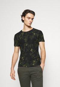 Blend - TEE - Print T-shirt - deep depths - 0