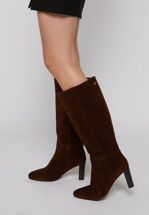 BRAVE - Boots - chocolate
