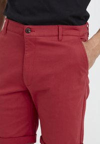 Tailored Originals - ROCKCLIFFE - Shorts - red - 3