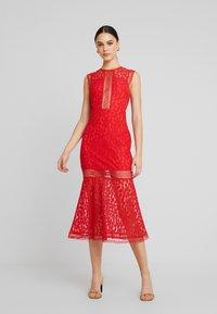 Love Triangle - THE TANGO MIDAXI DRESS - Suknia balowa - red - 0