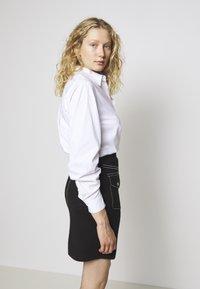 Steffen Schraut - POCKET SKIRT SPECIAL - Pencil skirt - black - 3