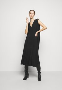 Victoria Beckham - DOUBLE FLARE MIDI - Cocktail dress / Party dress - black - 1