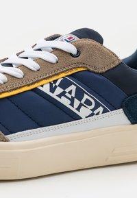 Napapijri - BARK - Trainers - beige/navy - 5