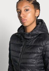 ONLY - ONLTAHOE HOOD JACKET  - Light jacket - black - 4