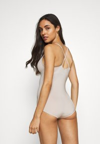 Marks & Spencer London - Body - almond - 3