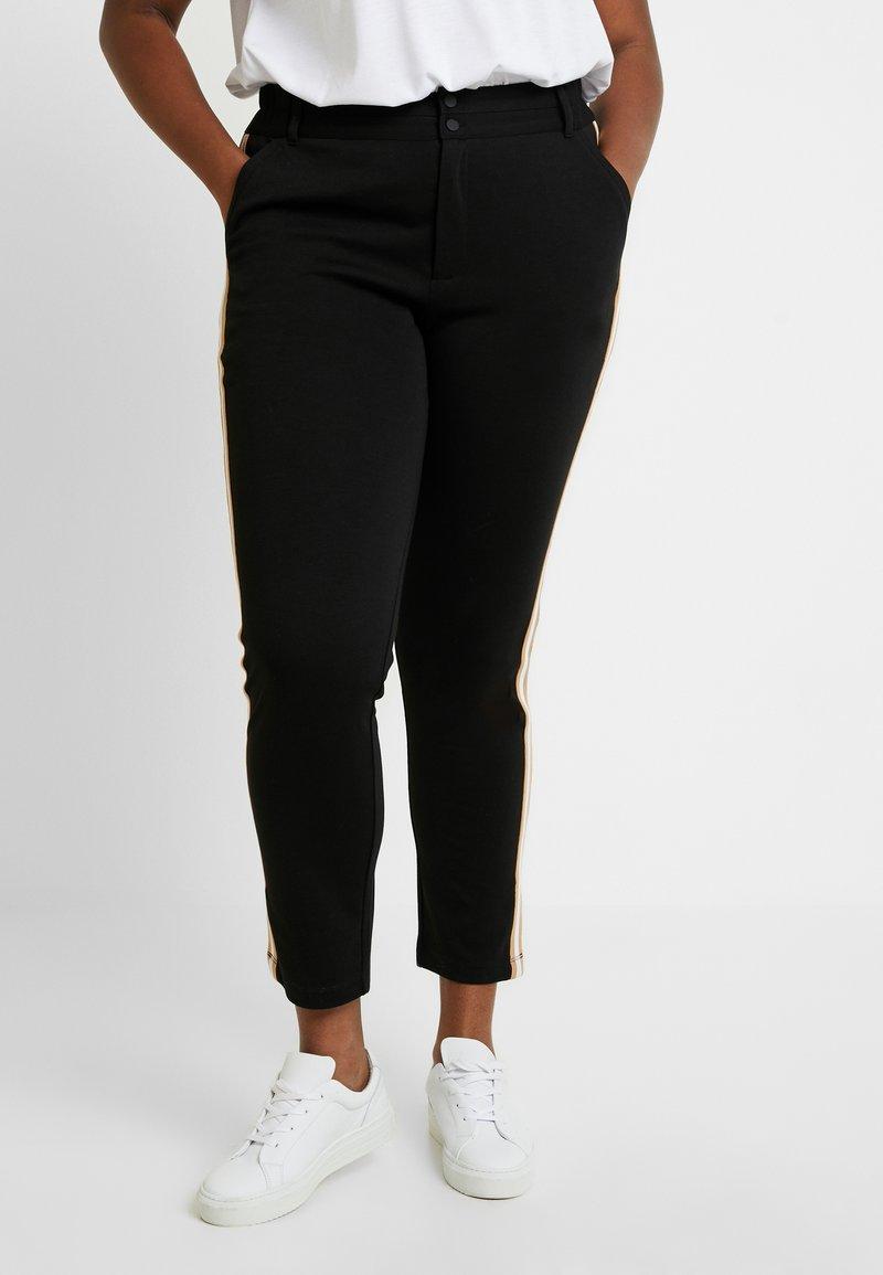 Kaffe Curve - KIA 7/8 PANTS - Trousers - black deep