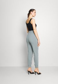 Even&Odd - Tracksuit bottoms - green - 2