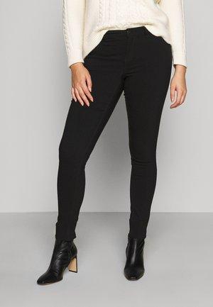 VMMASJA CURVE - SLIM TROUSER - Jeans Skinny Fit - black