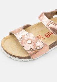 Superfit - FUSSBETTPANTOFFEL - Sandals - bronze - 5