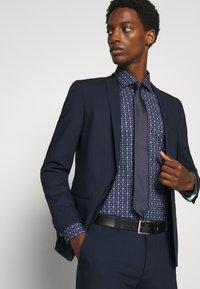 OLYMP Level Five - Level 5 - Formal shirt - dunkelrot - 3