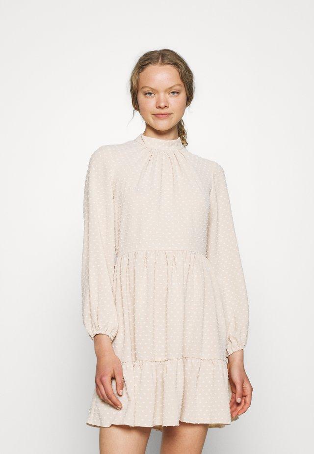 HIGH COLLAR MINI DRESS - Korte jurk - beige