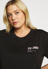 Dr.Denim Plus - MELROSE PLUS TEE - Print T-shirt - black wordmark - 4
