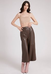 Guess - Leather trousers - braun - 1
