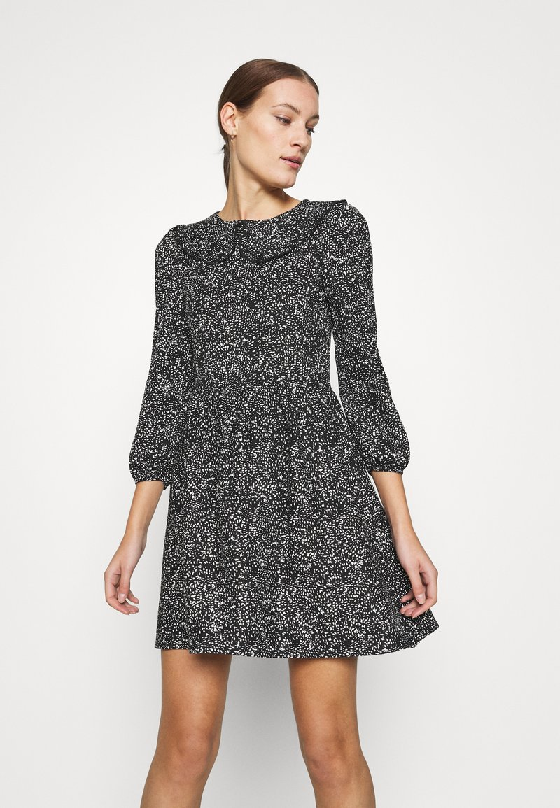 Dorothy Perkins - COLLAR FIT AND FLARE - Day dress - black