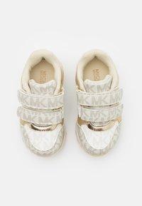 MICHAEL Michael Kors - BILLIE JOGGER - Sneakers basse - vanilla/gold - 3