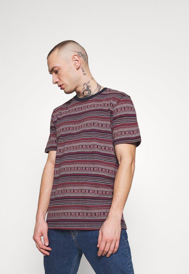 AKROD - T-shirt z nadrukiem - sapphire