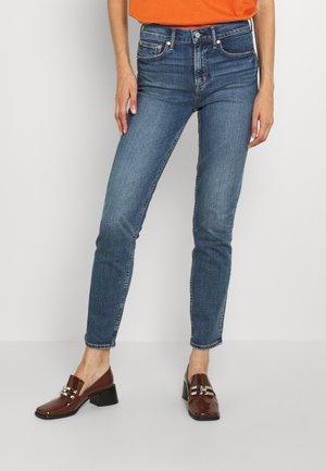 CIGARETTE CYRUS - Slim fit jeans - dark indigo