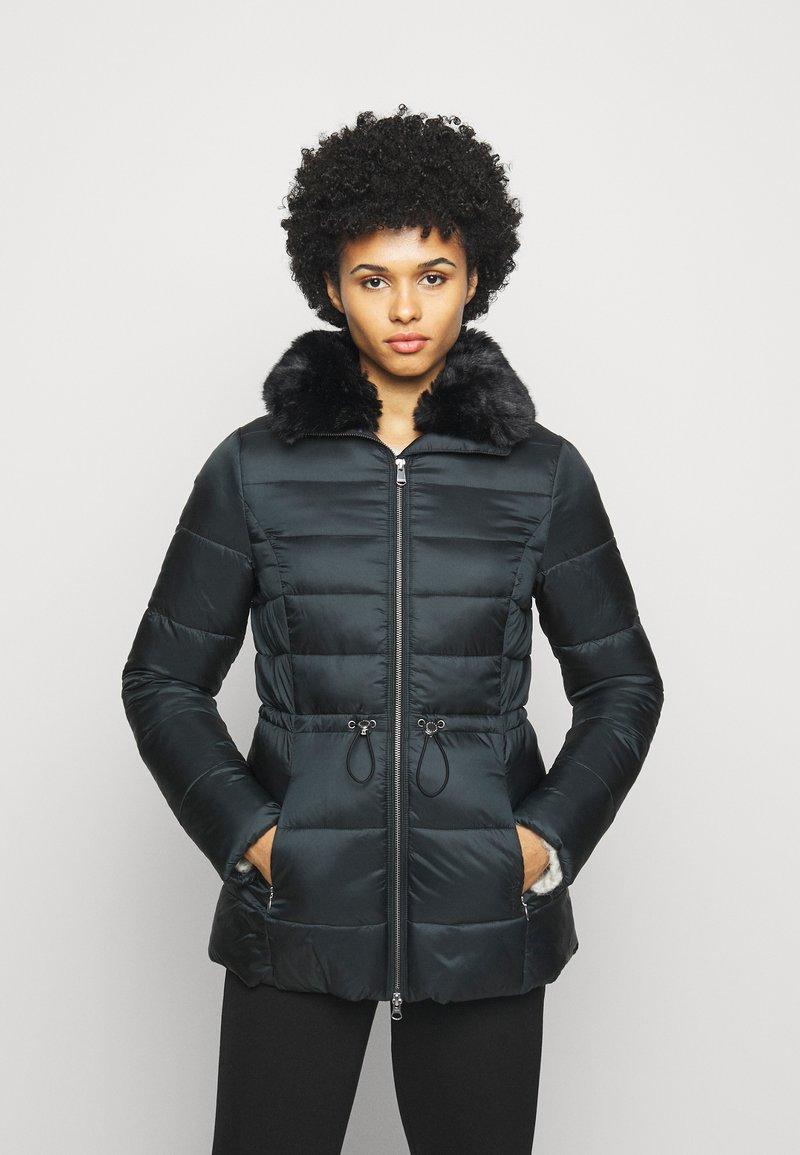 Barbour - ANGUS QUILT - Short coat - black