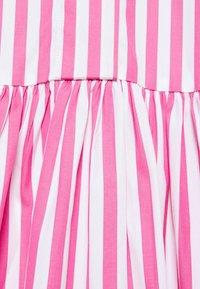 Victoria Victoria Beckham - A-LINE BROAD STRIPE SHIRT DRESS - Sukienka koszulowa - pink/white - 7