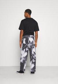 Jaded London - LIGHTNING CLOUD SKATE - Jeans relaxed fit - dark grey - 2