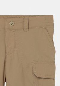 Columbia - SILVER RIDGE CONVERTIBLE 2 IN-1 UNISEX - Outdoor trousers - british tan - 3