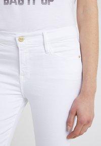 Frame Denim - LE COLOR CROP  - Skinny džíny - blanc - 4