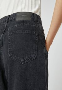 PULL&BEAR - Relaxed fit jeans - black - 4