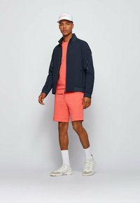 BOSS - HEADLO  - Shorts - open red - 1