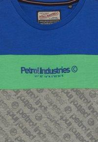 Petrol Industries - Triko spotiskem - andean toucan - 3