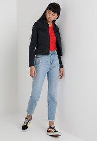 Vero Moda - VMHOT SOYA  - Denim jacket - dark grey denim - 1