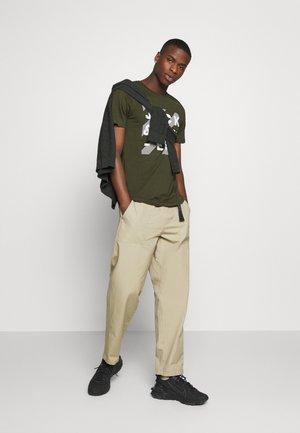 JJHERO TEE CREW NECK 2 PACK - T-shirt imprimé - forest night