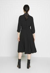 Dorothy Perkins - PLAIN  - Denní šaty - black - 2