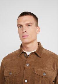 J.CREW - CORDUROY TRUCKER JACKET - Summer jacket - saddle brown - 3