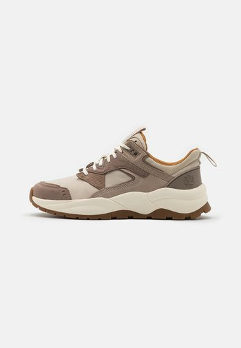 TREE RACER - Trainers - white
