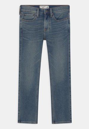 Straight leg jeans - medium