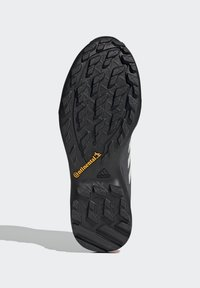 adidas Performance - TERREX AX3 GTX - Vaelluskengät - grey/light red - 4