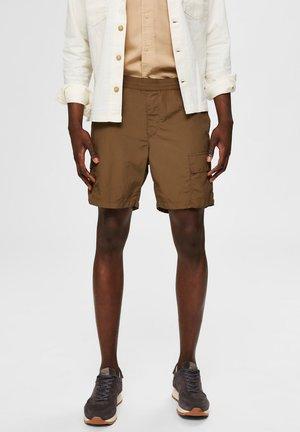 GESCHMEIDIGE - Shorts - dark olive