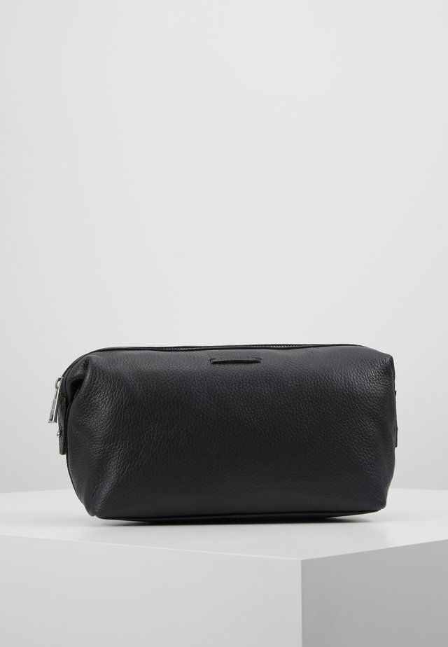 SEEKER WASHBAG - Wash bag - black