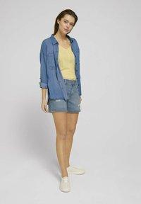 TOM TAILOR DENIM - CAJSA - Denim shorts - used light stone blue denim - 1