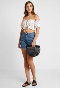 Weekday - EYA - Shorts di jeans - arizona blue - 1
