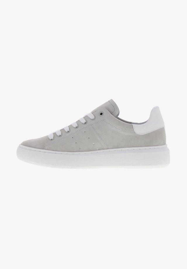 INGEBORG - Sneakers laag - knochen weiß