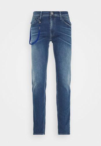 TITANIUM MAX - Slim fit jeans - medium blue
