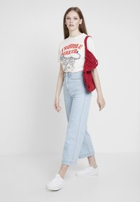 Merchcode - LADIES TROUBLEMAKER TEE - T-shirt print - rose - 1