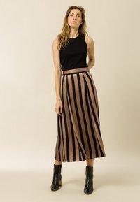 IVY & OAK - A-line skirt - dark toffee - 0