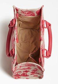 Guess - EDERLE - Handbag - rot - 2