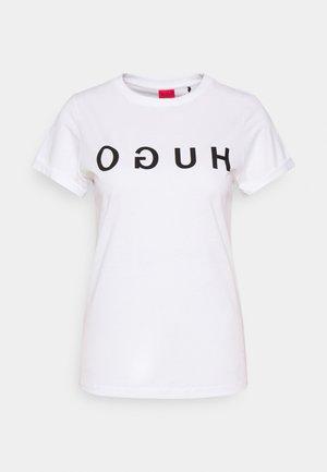 THE TEE - Print T-shirt - white