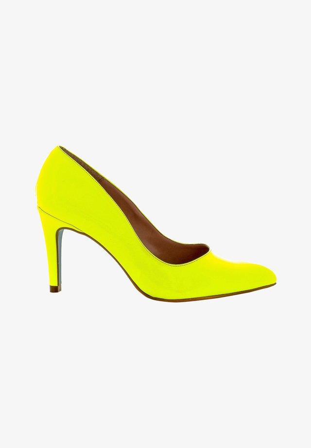 Klassieke pumps - yellow