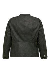 ONLY Carmakoma - Imiteret læderjakke - black - 1