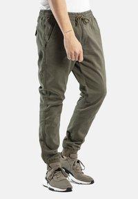 Reell - REFLEX RIB - Trousers - olive - 3