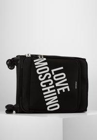 Love Moschino - VIAGGIO  - Set de valises - black - 3
